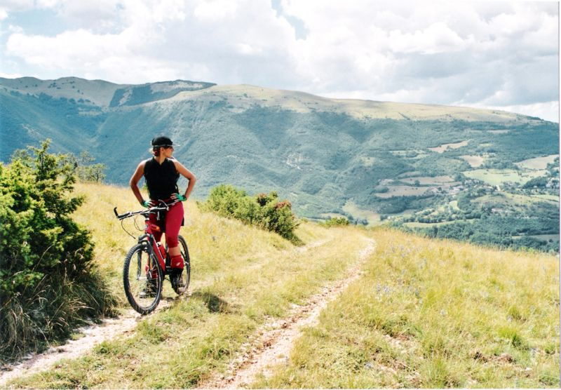 800px-Mountain_bike_ParcoSibillini